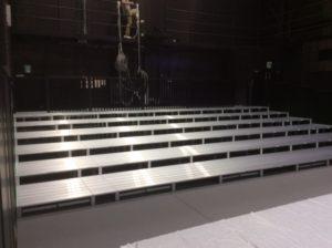チームスマイル・いわきPIT納入。特注ステージ、特注観覧席 (2)