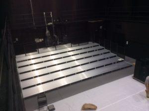チームスマイル・いわきPIT納入。特注ステージ、特注観覧席 (3)