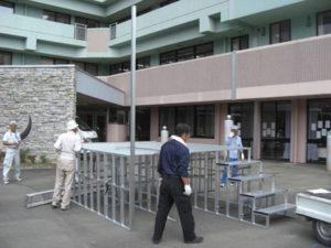 折りたたみ式アルミ製やぐら(櫓)ステージ 組み立て1 パックス工業株式会社
